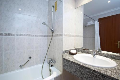 Universal Hotel Romantica istabas fotogrāfijas