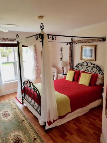 The Parrsboro Mansion Inn - Accommodation - Parrsboro