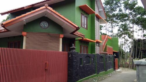 The Huril Guest Hs, Tasikmalaya