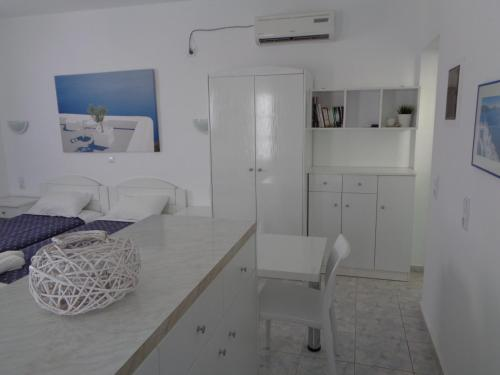 Apartamento Estúdio com Vista Mar (Studio Apartment with Sea View)
