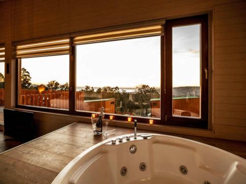 Suite Deluxe con bañera de hidromasaje Nidos de carnota 14