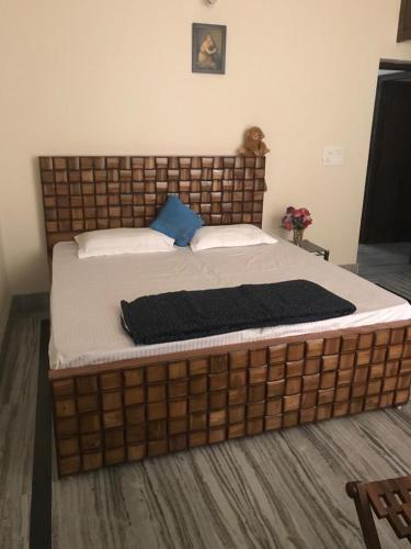 Deluxe Queen Room Beautiful 2BHK on Sahastradhara Road in Dehradun