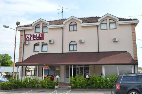 . Motel Signal