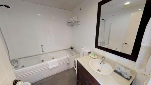 Double or Twin Room - single occupancy Hotel Boutique MR Palau Verd - Adults Only 7