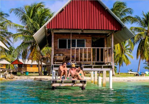 . Private Cabin Over the Water PLUS Meals PLUS Day Tour - San Blas Islands