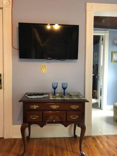 Blue Gables Bed and Breakfast - Accommodation - Niagara Falls