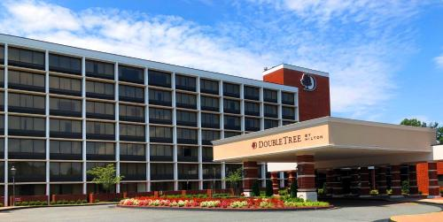 DoubleTree by Hilton Charlottesville - Hotel