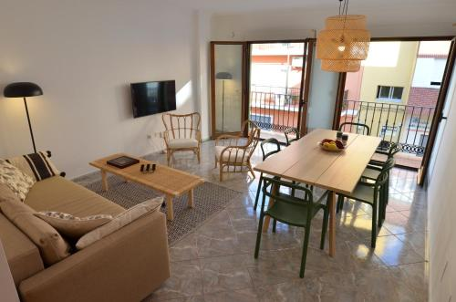The Green Townhouse In Denia Centre