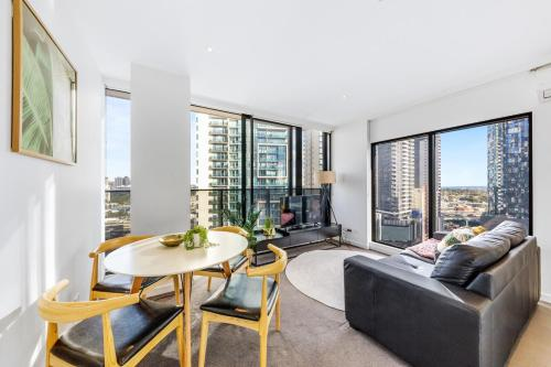 Sophisticated and Lux 2BD in Southbank MELB-1