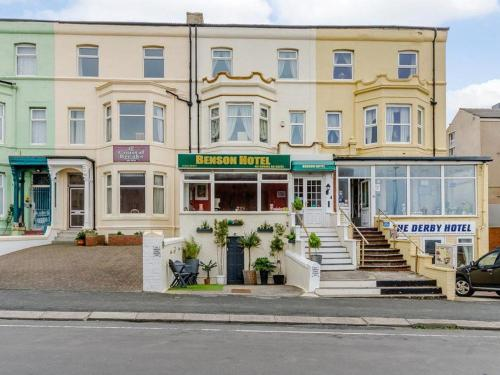 Benson Hotel   Small Families & Couples Only