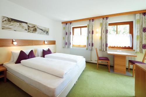 Haus Markus Strolz - Accommodation - St. Anton am Arlberg