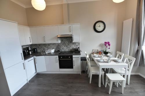 Pleasance Luxury Apartment (Two-Bedrooms, Ground Floor) - Edinburgh