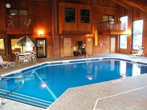 . Amerihost Inn & Suites - Mexico
