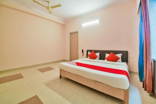 . OYO 37212 Hotel Soft Petals By Arn Group