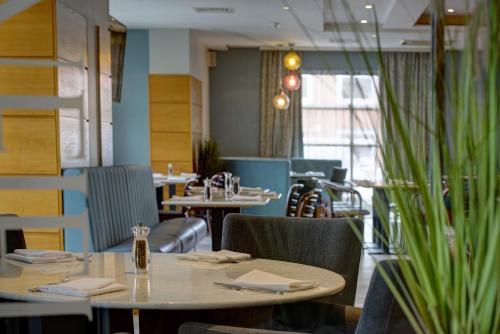Best Western Manchester Altrincham Cresta Court Hotel - Photo 5 of 66