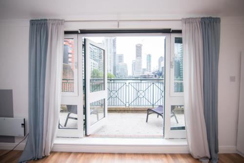 Stunning And Lovely Apartment In Canary Wharf
