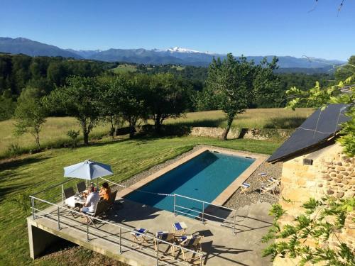 Accommodation in Ledeuix