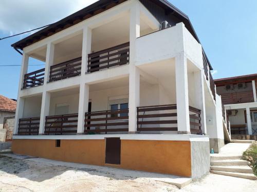 Vila VELEBIT - Hotel - Gornji Karin