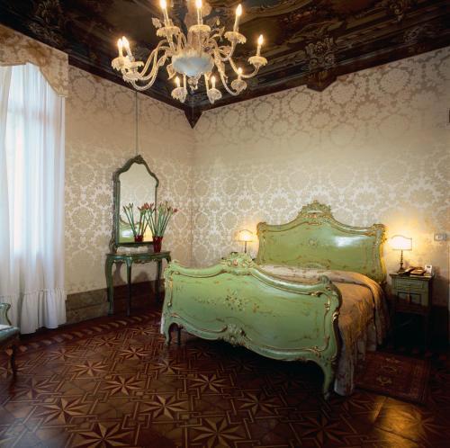 Cannaregio - Calle Priuli 4011, Venice, 30131.