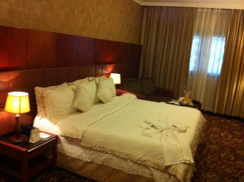Al Madinah Harmony Hotel Main image 2