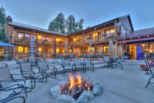 . Grand View Mountain Lodge