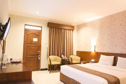 . Cakra Kembang Hotel
