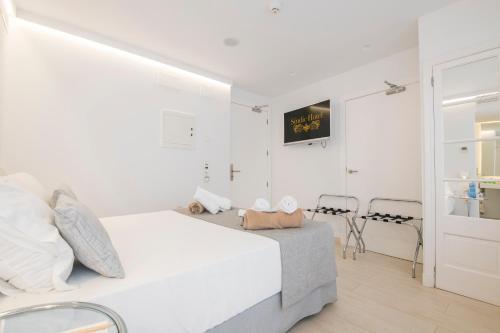Habitación Doble adaptada para personas con movilidad reducida - Uso individual Sindic Hotel - Adults Only 10