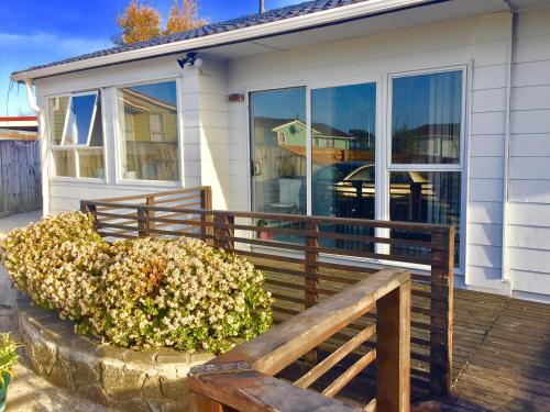 Auckland Airport Holiday House