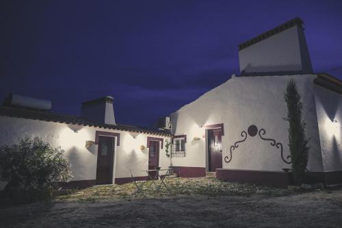 . Casas da Faia - Nature Guest House
