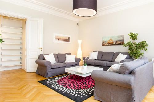 ApartDirect Sveavägen photo 12