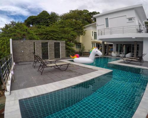 Deluxe Villa in Patong Deluxe Villa in Patong