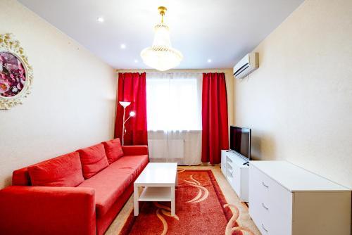 . Apartment on Akademika Yangelya 2