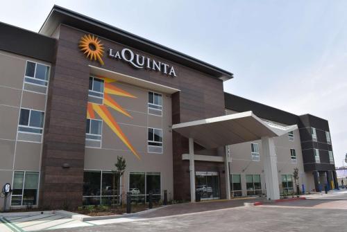 La Quinta Inn & Suites by Wyndham San Bernardino - Hotel
