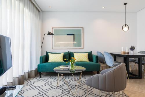 . Feelathome Waldorf Suites Apartments