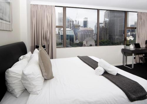 Modern CBD studio - next to Hyde Park - image 7