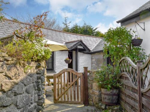 Ladydown Cottage, Lanteglos, Cornwall