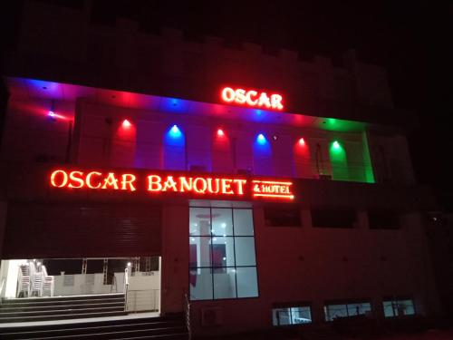Oscar Banquet and Hotel