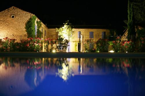 la pastorale chambre d 39 h tes 1345 route de fontaine de vaucluse 84800 lagnes adresse horaire. Black Bedroom Furniture Sets. Home Design Ideas