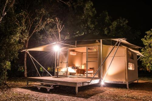 Outback Retreat Plus (Glamping)