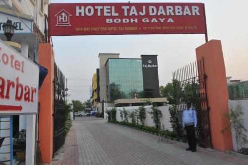 . Hotel Taj Darbar
