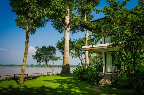 Deluxe Riverfront Villa Double or Twin - Ground Floor