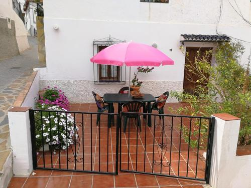 Casa en pueblo de montes de Málaga a 15km de playa - Hotel - Almáchar
