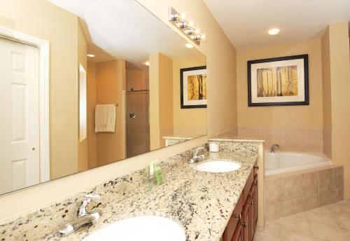 World Quest Resort - Orlando, FL 32821
