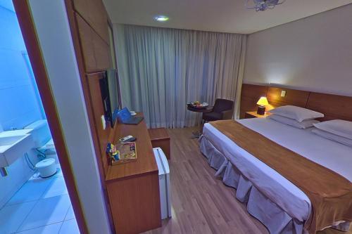 . Hotel Shelton