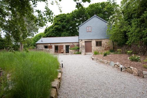 Cusgarne Cottages, Scorrier, Cornwall
