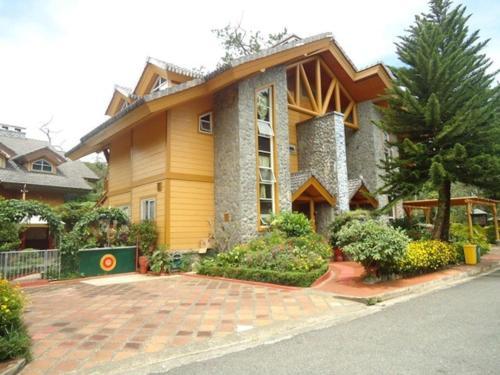 Beautiful Transient House In Camp John Hay, Baguio