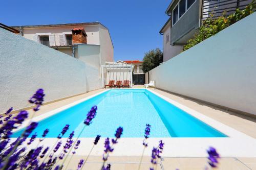Luxury Villa Claudia with Pool - Hotel - Zadar