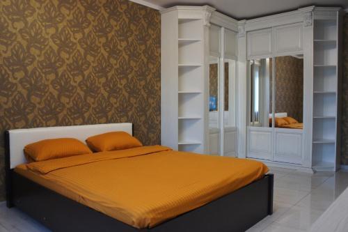 . Апартаменты на Знаменской