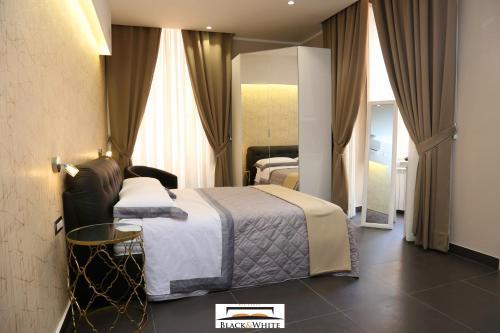 Residence Black & White