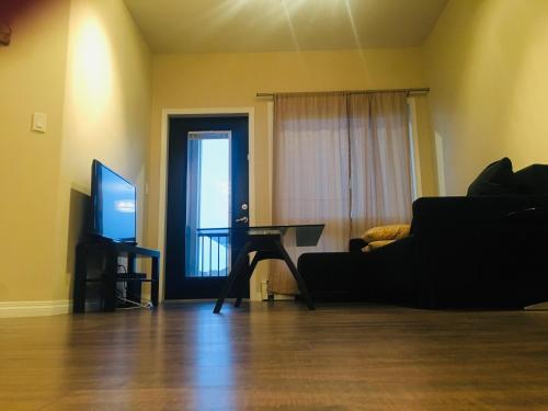 102 Cope Crescent, Saskatoon, SK 公寓 (B&B)